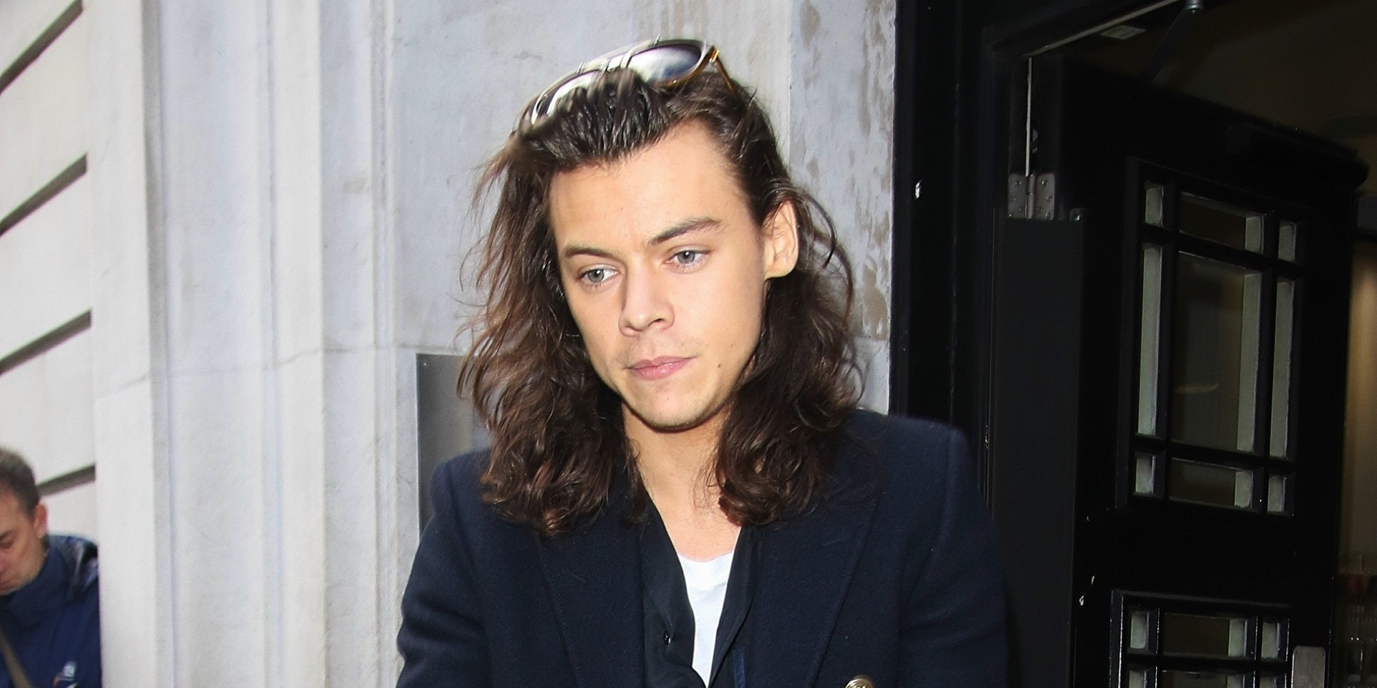 Harry Styles With His New Haircut Gallery - Haircut Ideas for ...