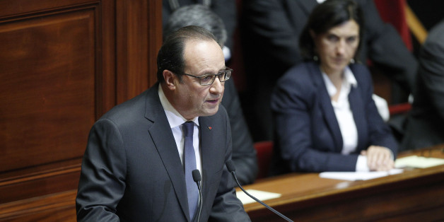 VERSAILLES, FRANCE - NOVEMBER 16:  French President Francois Hollande delivers a speech during an exceptional joint gathering of both houses of parliament on November 16, 2015 in Versailles, France. During his speech, the French President expressed his commitment to 'destroying' Islamic State (IS) following Friday's terrorist attacks which left at least 129 people dead and hundreds more injured.  (Photo by Thierry Chesnot/Getty Images)