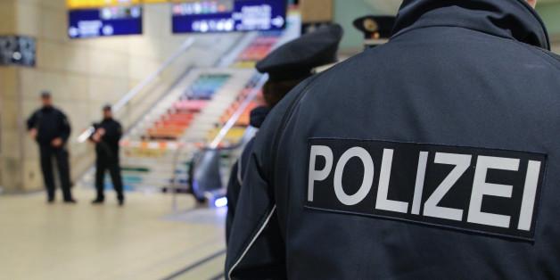 Polizisten in erhöhter Bereitschaft.