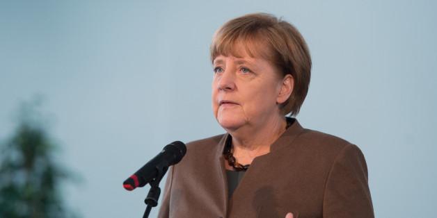 Angela Merkel verteidigt die Absage des Länderspiels