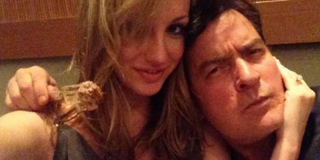 Charlie Sheen mit seiner Ex-Verlobten Brett Rossi