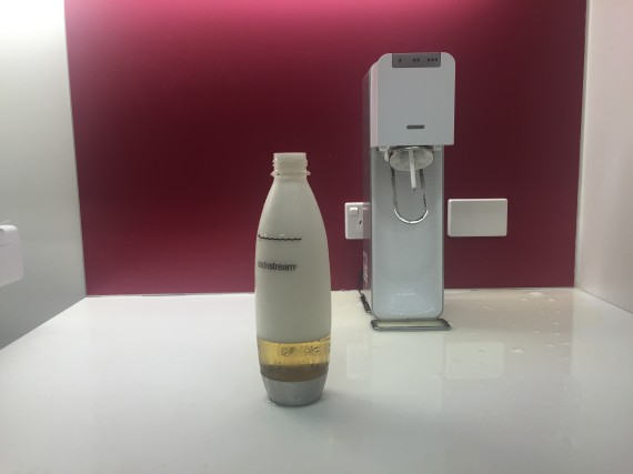 fizzy apple juice in sodastream