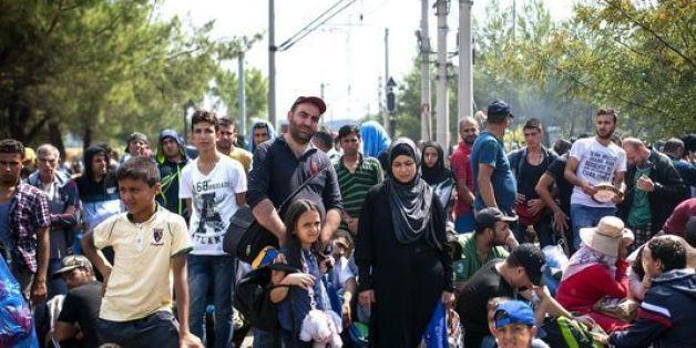 Grèce: 4.000 migrants autorisés à traverser la frontière greco-macédonienne