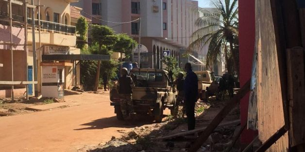 "Attaque au Radisson de Bamako : ""18 corps retrouvés"", plus d'otages retenus"