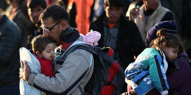 Sie sah, wie Flüchtlinge verzweifelt ihre Babys hielten. Und beschloss, etwas zu tun