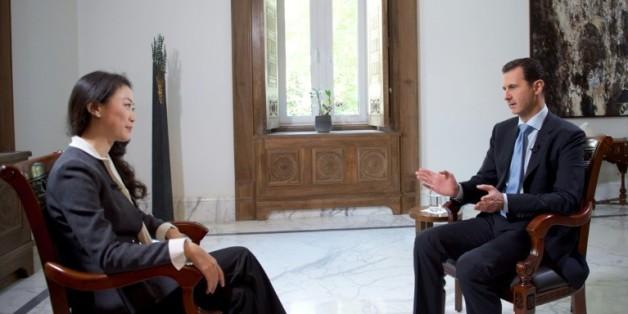 Le président Bachar al-Assad lors d'une interveiw avec la chaîne chinoise de télévision Phoenix, le 22 novembre 2015 à Damas
