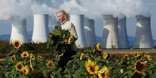 """Pour lutter contre le réchauffement climatique, quid de l'énergie nucléaire, bien plus """"propre"""" en émission de CO2 que les énergies fossiles ?"""