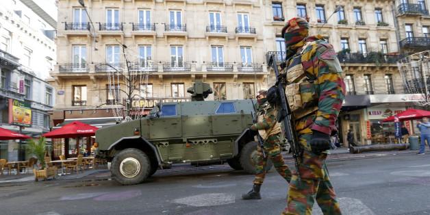 Des soldats belges à Bruxelles le 23 novembre 2015