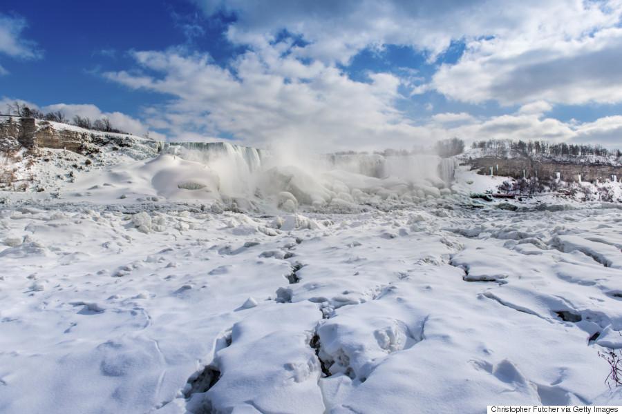 niagara falls frozen