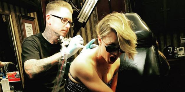 Kaley Cuoco überdeckt ihr Ehe-Tattoo