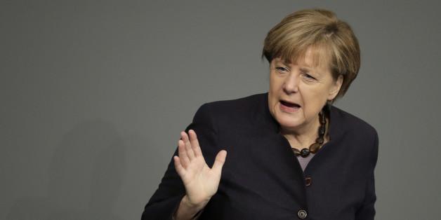 Klartext in der Flüchtlingsfrage - So kanzelt Merkel de Maizière ab