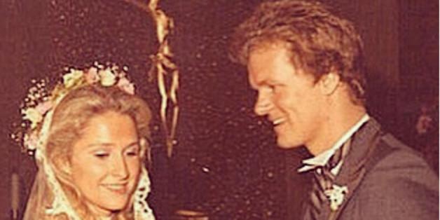 Mit diesem Post gratuliert Paris Hilton ihren Eltern zum Hochzeitstag.