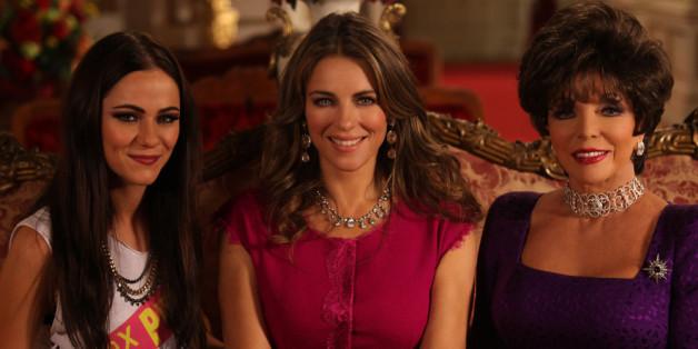 Elizabeth Hurley spielt in der Serie eine Königin.