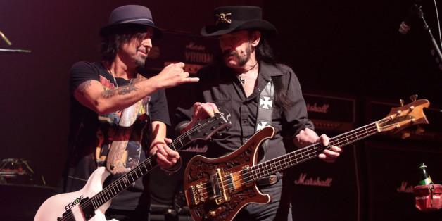 Phil Campbell (l.) hier bei bei einem Konzert neben Lemmy Kilmister