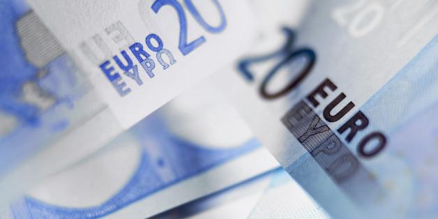 Close up of 20 euro notes