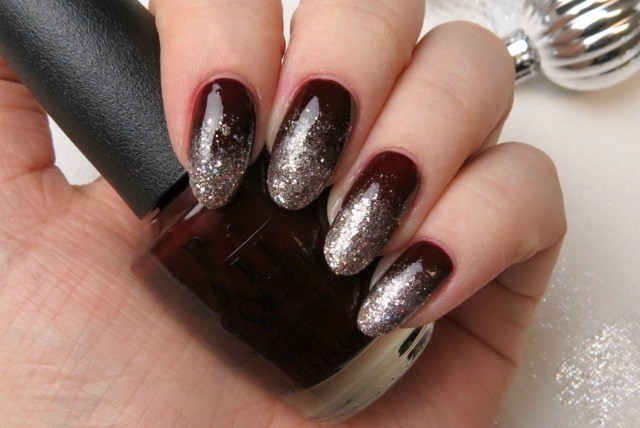 So When You Re Putting Your Party Dress On Consider Doing This Easy Glitter Ombré Nail Art To Bring Outfit The Next Level