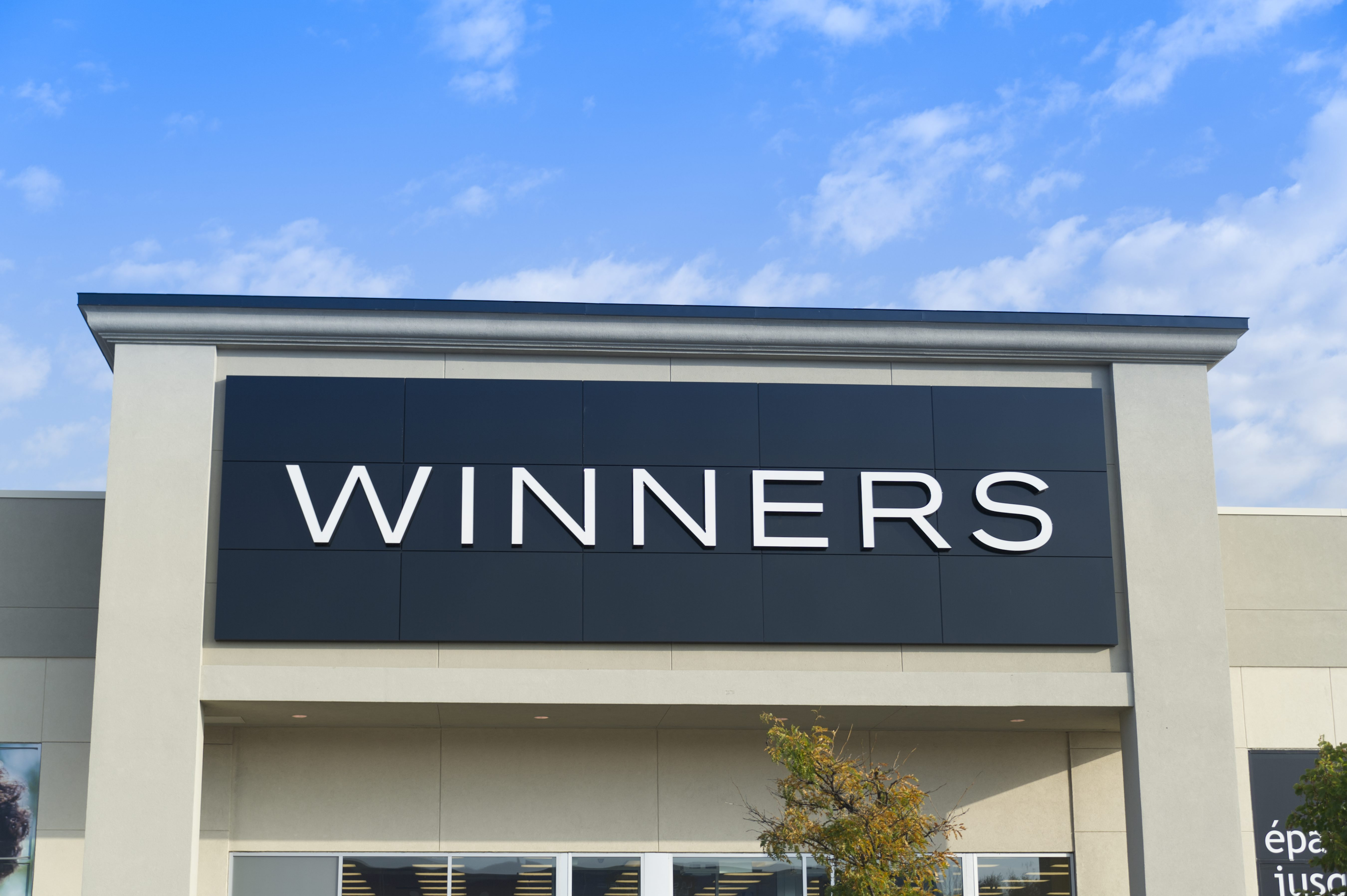 winners store logo