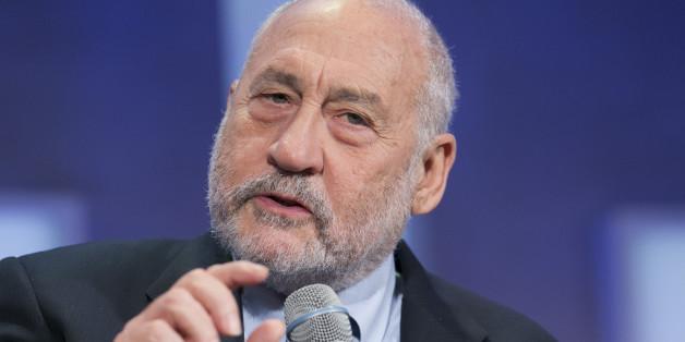 Columbia University Professor Joseph Stiglitz speaks at the Clinton Global Initiative, Monday, Sept. 28, 2015 in New York. (AP Photo/Mark Lennihan)
