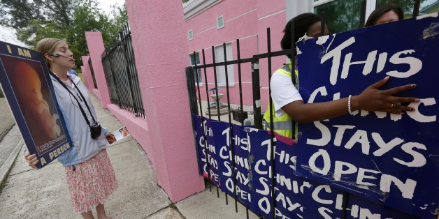 What It's Really Like to Be a Volunteer Escort at an Abortion Clinic