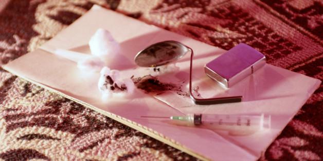 TVs Dating Am A Addict I Drug immense battery translates