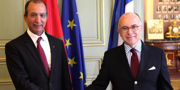 Les ministres marocain et français de l'Intérieur, Mohamed Hassad et Bernard Cazeneuve