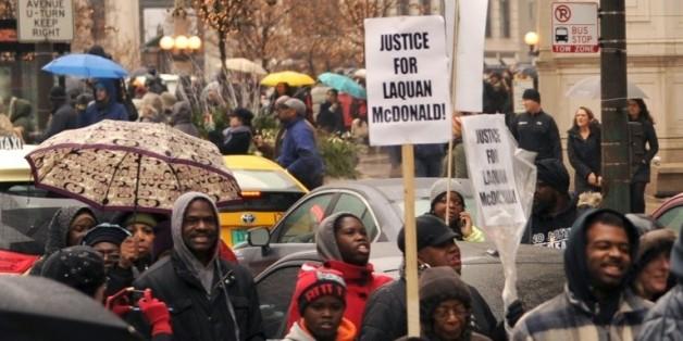 Manifestation, le 27 novembre 2015 à Chicago, après la mort d'un adolescent noir abattu par un policier blanc