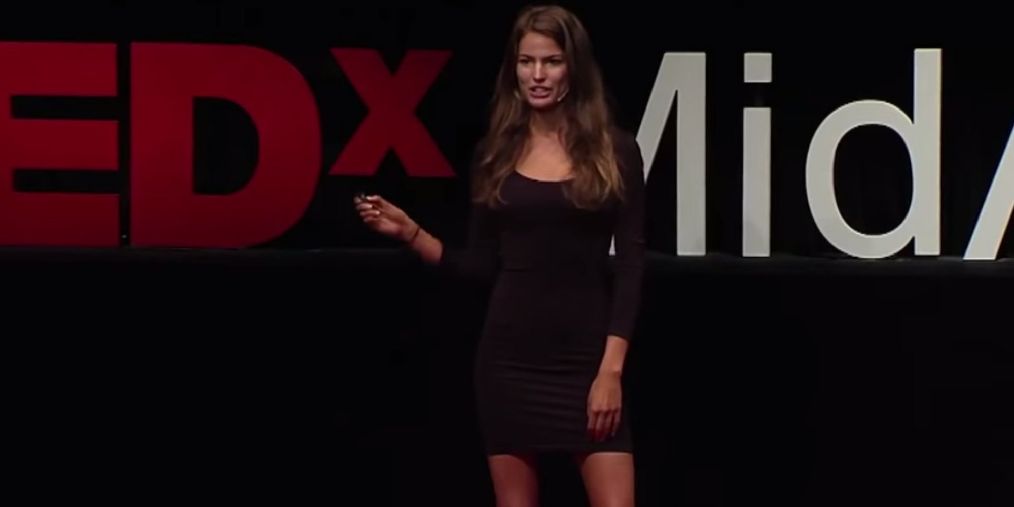 cameron russell 39 s ted talk exposes the truth behind 39 sexy 39 fashion photo shoots huffpost uk. Black Bedroom Furniture Sets. Home Design Ideas