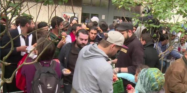 Münchner Verein gibt Knigge für Flüchtlinge herausgeben