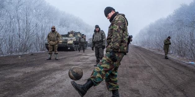 Ukrainische Soldaten während eines Waffenstillstands