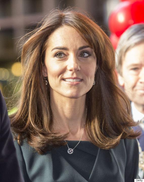 Kate middleton opte pour les cheveux courts for Coupe cheveux kate middleton