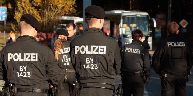 Bundespolizisten an der Grenze zu Österreich
