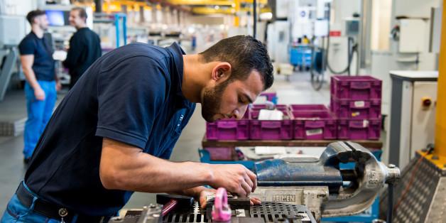 Dax-Unternehmen stellen anders als Handwerksbetriebe fast keine Flüchtlinge an.