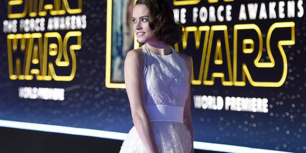 """Daisy Ridley auf der Weltpremiere von """"Star Wars: Episode VII"""""""