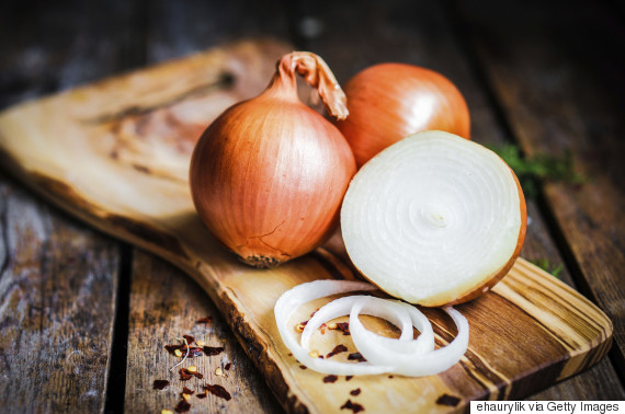 How To Get Thicker Hair? Hairdresser Claims Rubbing Onions On Your Scalp Will Help