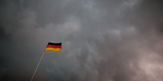 Die meisten Deutschen blickt eher mit Furcht als mit Zuversicht auf das Jahr 2016, so eine Erhebung.