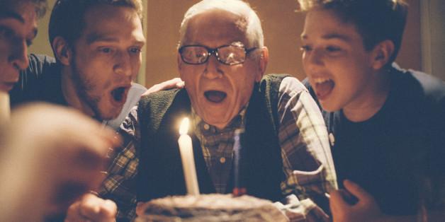 Die Deutschen werden im Schnitt um zwei Jahre älter. Die Gründe dafür liegen auch in unserer Kindheit.