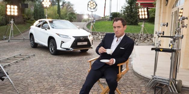 Jude Law könnte einem alles verkaufen: Anzüge, Autos, Kaffee