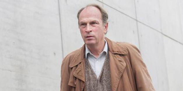 """""""Glückskind"""": Hans (Herbert Knaup) will mit der Mutter des Babys sprechen, das er im Müll gefunden hat."""