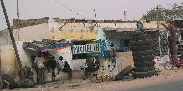 Vente de pneus à Meckhe (Sénégal)