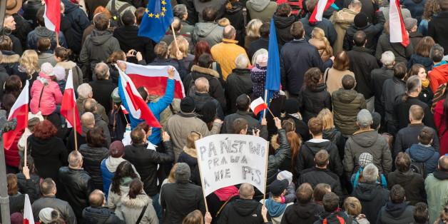 Eine Großdemonstration in Warschau musste heute wegen einer Bombendrohung abgesagt werden