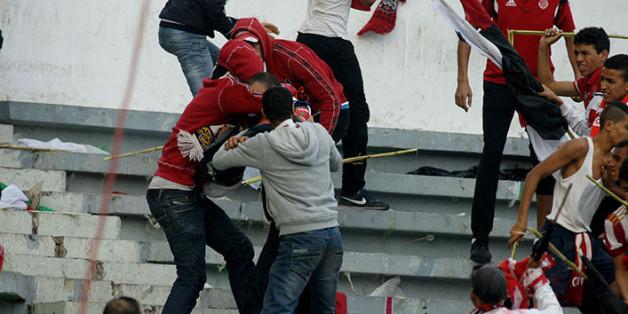 Le 119e derby de Casablanca se solde par de violents actes de hooliganisme