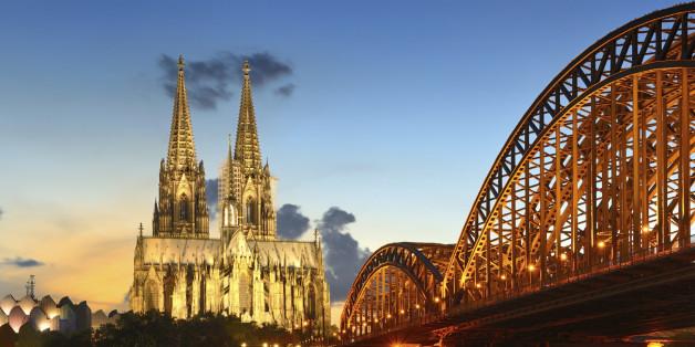 Köln ist trauriger Spitzenreiter bei den Schulden gesamt: Die Rhein-Metropole steht mit insgesamt fast fünf Milliarden Euro (4.930.626.302 Euro) in der Kreide.
