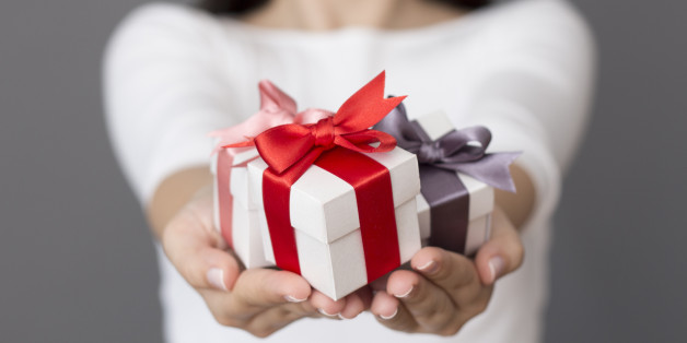 Gift giving taboos that arent as bad as you think huffpost negle Images