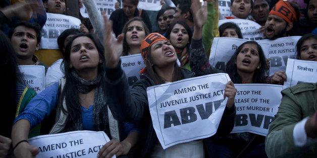 인도에서 벌어진 미성년자 성폭행범 석방 규탄 집회