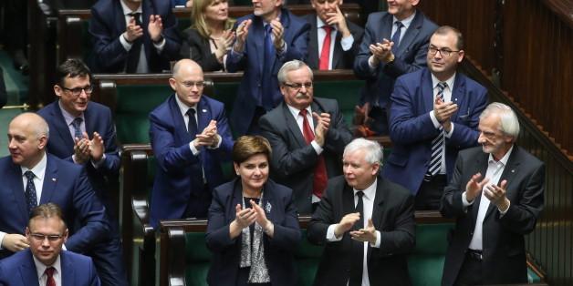 Das polnische Parlament beschloss gestern eine umstrittene Reform des Verfassungsgerichts