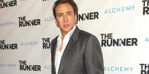Nicolas Cage gibt den Dino-Schädel zurück.