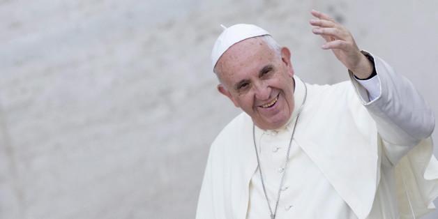 Papst Franziskus erhält den Karlspreis.