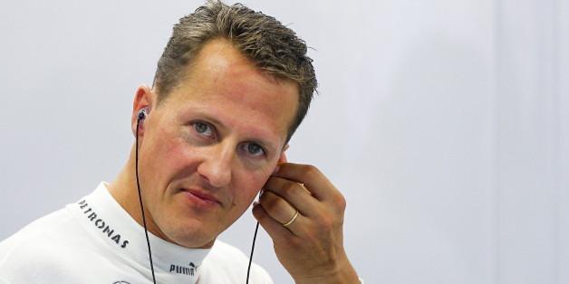 Michael Schumacher beendete seine Formel-1-Karriere bei Mercedes. Im Winter 2014 verunglückte er im Ski-Urlaub schwer.