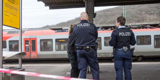 Kurz vor Heiligabend: 27-Jähriger ersticht Polizisten bei Fahrkartenkontrolle