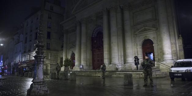 Vor Kirchen in Frankreich standen am Heiligen Abend schwer bewaffnete Sicherheitskräfte